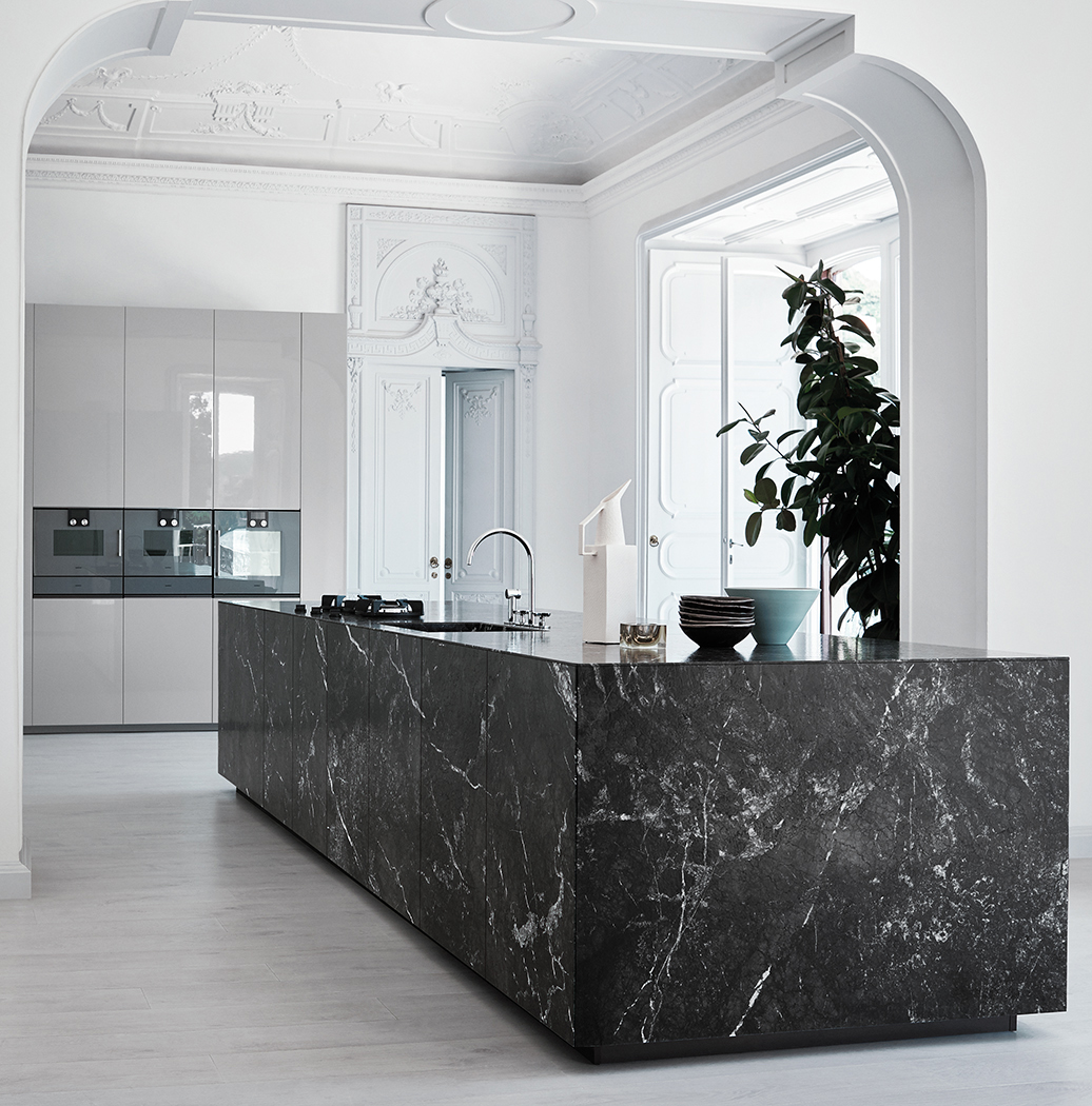 Grey Saint Laurent marble, gloss Cenere lacquer | Aria Kitchens
